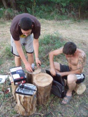 Oluja and benjamin working on the radio Fuzija